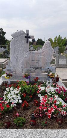 Reducere monumente funerare,marmură şi granit.De la 850 lei.