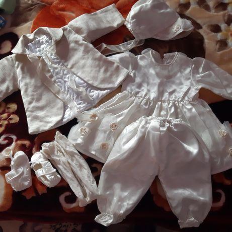 Vând costumas botez fetițe 6 piese