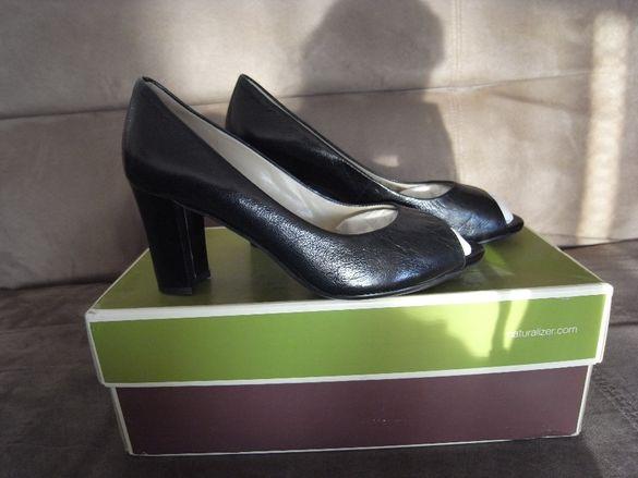 Продавам дамски обувки черни, на ток, нови, естествена кожа номер 35