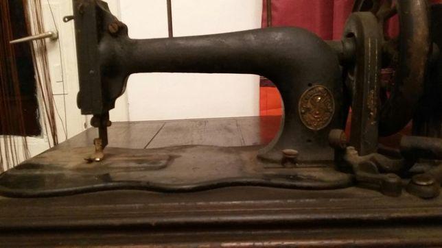 Vand masina de cusut veche singer veche 150 ani