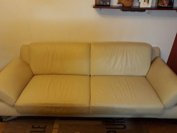 Canapea din piele crem