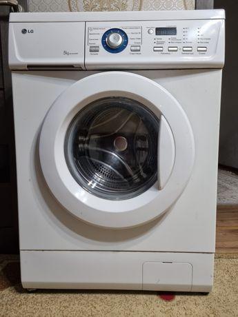 Продается б/у стиральная машина LG 5 кг