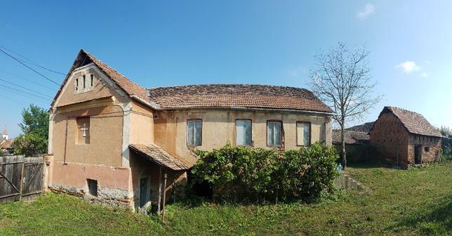 Casa cu gradina si deschidere la doua strazi in sat Boarta !