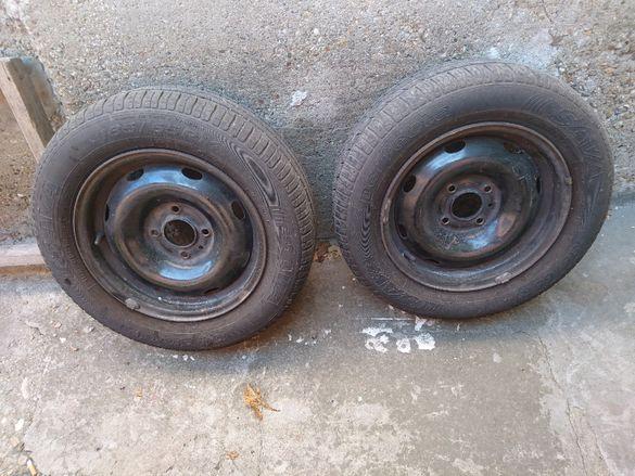 Продавам 2 броя джанти с гуми от Ситроен Ксантия