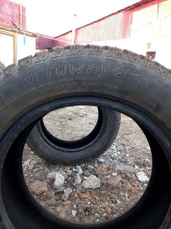 Продам зимние шины б/у  205/60. R16