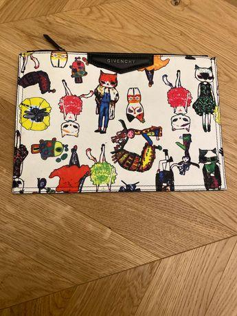Клътч  чанта Givenchy