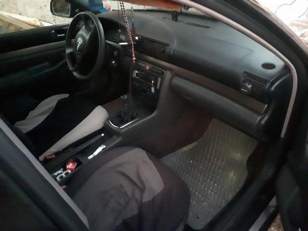 Vând Audi A41,9 tdi cod motor AJM