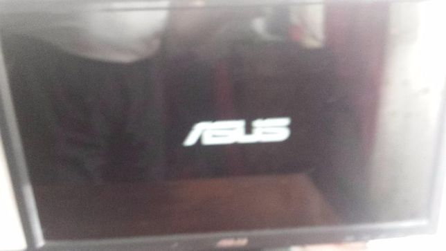 Monitor ASUS 19 Inci Wide (model lung)