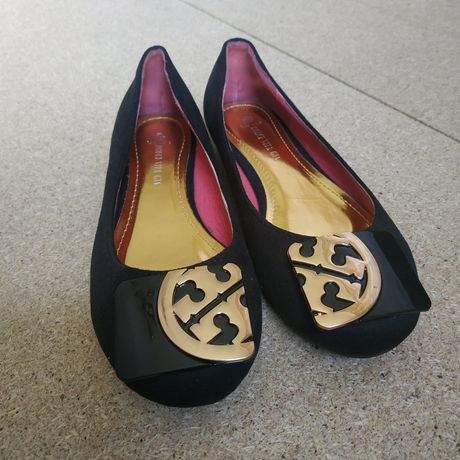 Женская обувь. Замшевая.