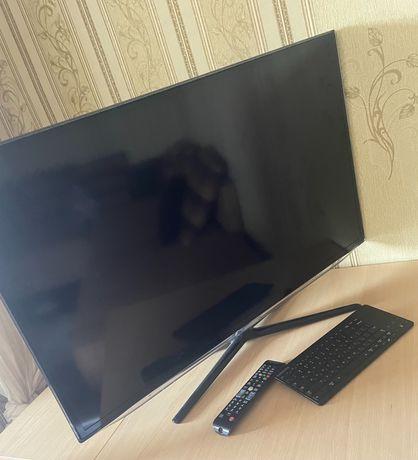 продам телевизор Смарт 102 см
