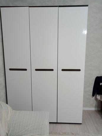 Шкаф 3х дверный Белый