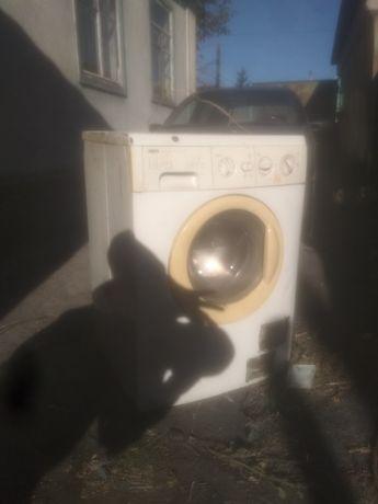 Дарю стиральную машину