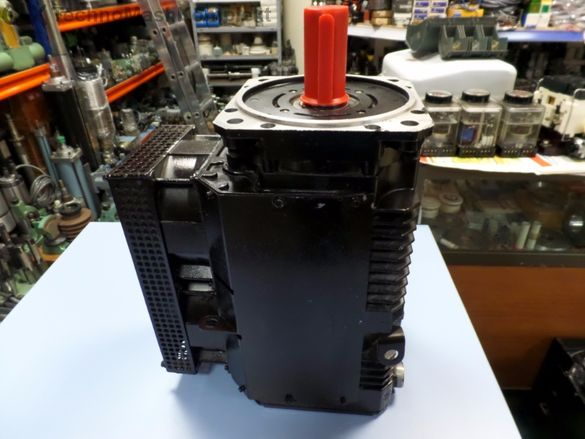 Двигател постояннотоков тип 5 М Т