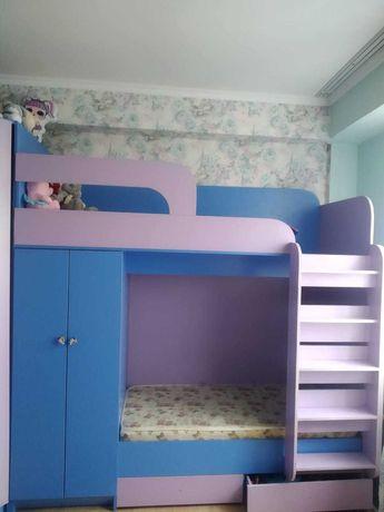 Продам детскую 2-хьярусную кровать