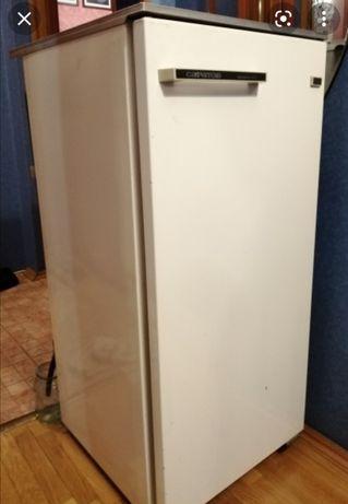 продам холодильник морозит отлично
