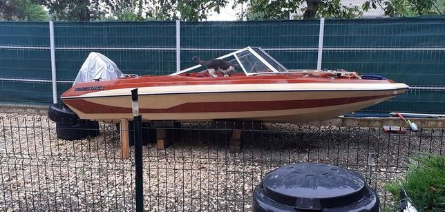 Barca Glastron ssv, vopsea originala