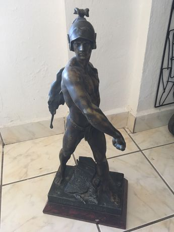 vand statuie bronz erou roman