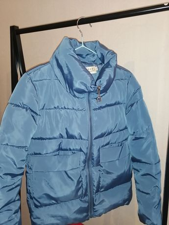 Продам куртку, размер 42, цена 4500. Состояние отличное