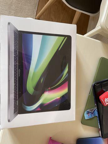 MacBook продаем новый в упаковке