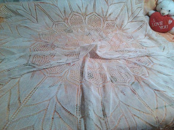 Покривка ръчно плетена Диаметър 220см НАМАЛЕНИЕ150лв