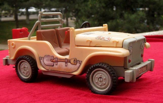 Jucarie Disney Heroes masina de teren Jeep 4x4