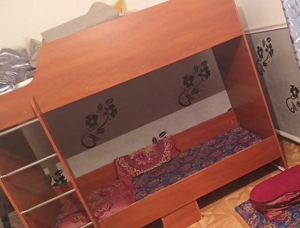 Двухярусна кровать 15000