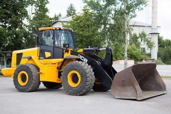 Dezmembrari buldoexcavator, excavator, incarcator frontal JCB