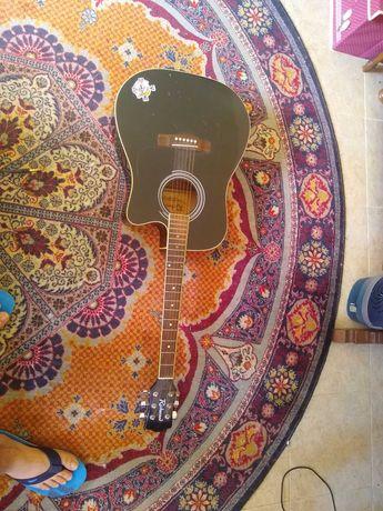 Електро акустична китара
