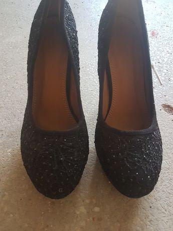 Vând pantofi dama