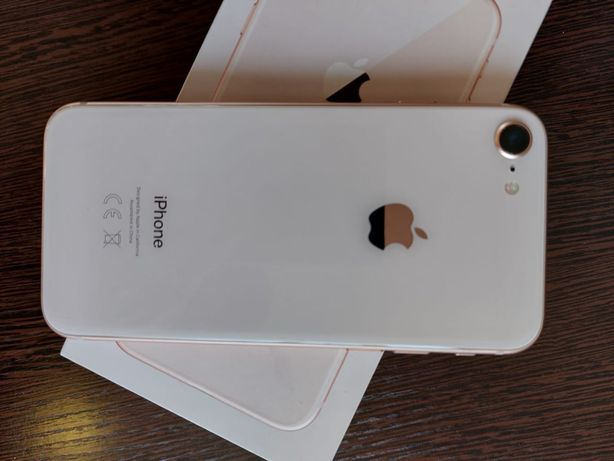 Продам Iphone 8 gold в идеальном состояние.