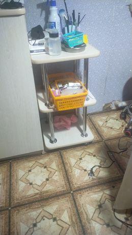 Маникюрный стол для мастера маникюра