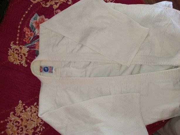 Продам кимоно и вратарьскую форму