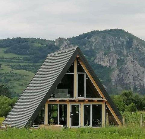 Vand casa în formă de A la cerere clientului