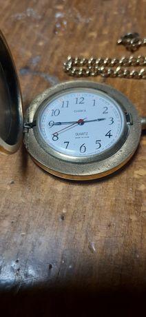 Джобен позлатен часовник