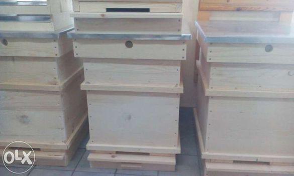 Дървен пчеларски инвентар - кошери и рамки