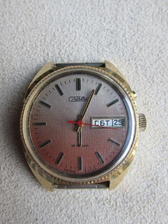 стар руски механичен часовник Слава