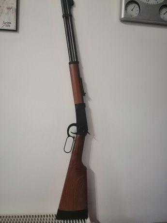 Vand pușcă cu aer comprimat Winchester, model 1873,fabricat de Walther
