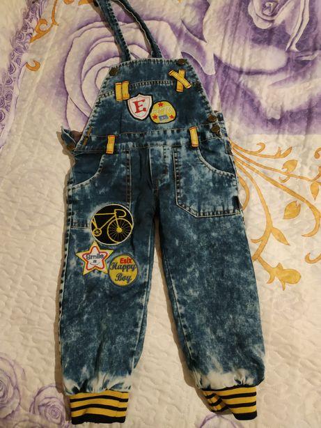 Комбинезон джинсовый с кофточкой
