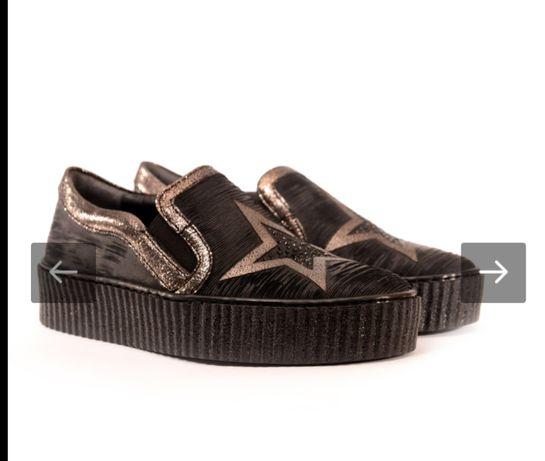 Дамски обувки изцяло от естествена кожа..