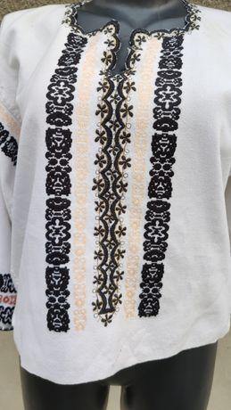 Ie/ costum popular /costum tradițional/ port popular/ camasa/catrinta