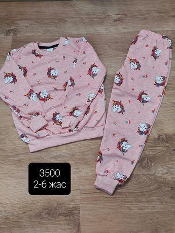 Продам детская одежды