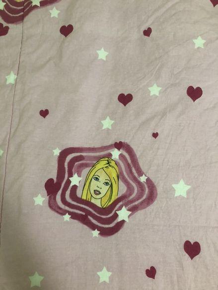 Розово одеало на Барби