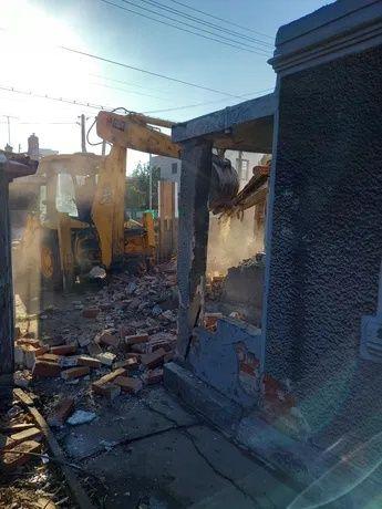 Demolari case Suceava, evacuam moloz Suceava - imagine 1