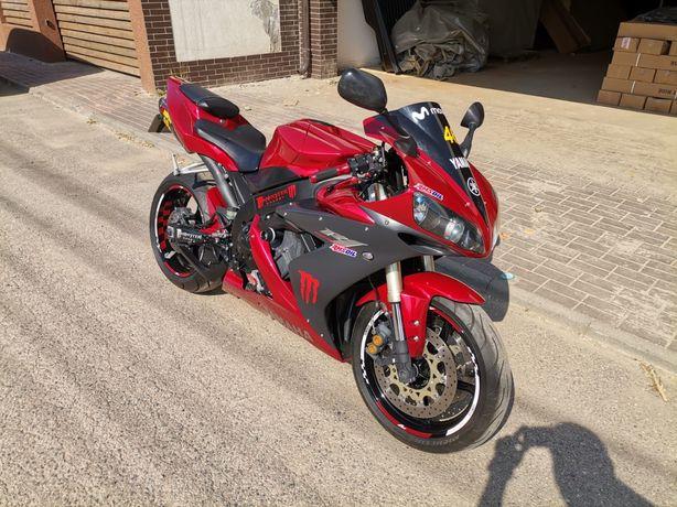 Yamaha R1 2004 multiple piese schimbate impecabila var +/-