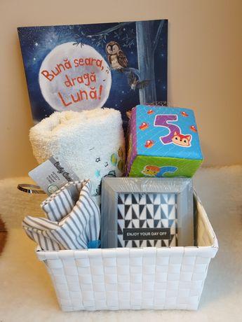 Vand cutii cadou pt bebelusi ,baby shower , botez