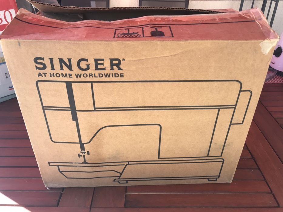 Vând mașină de cusut singer Hanu Conachi - imagine 1