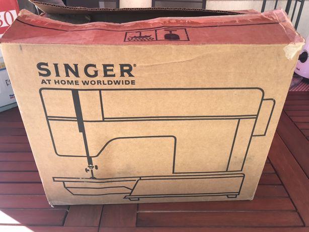 Vând mașină de cusut singer