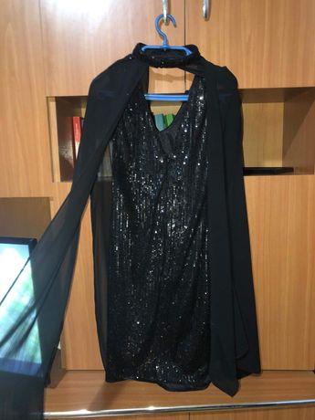Vând rochiță neagra cu paete