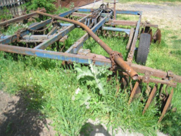 Tractor U650 M cu utilaje agricole disc plug semanatoare cultivator