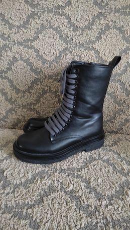 Женские.  ботинки